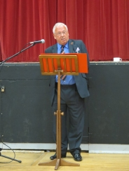 Rod Dengate (1955) giving his excellent talk on Cray Valley Technical High School, 1954 – 1975 in the morning.