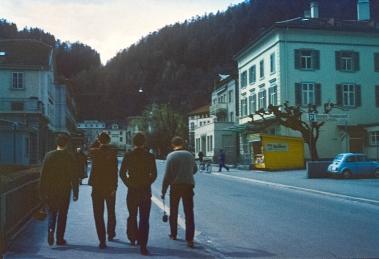 Walking up Baderagats High Street